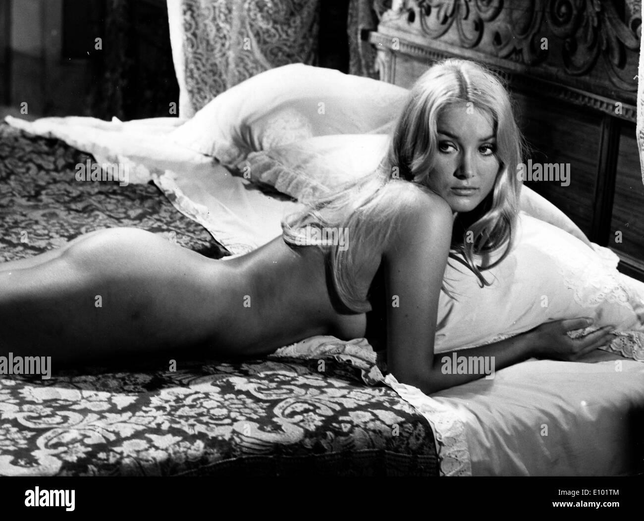 naked Nicole bouchet