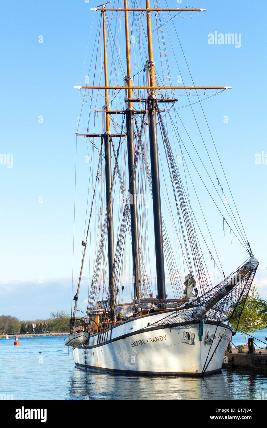tall-ship-the-empire-sandy-docked-in-tor