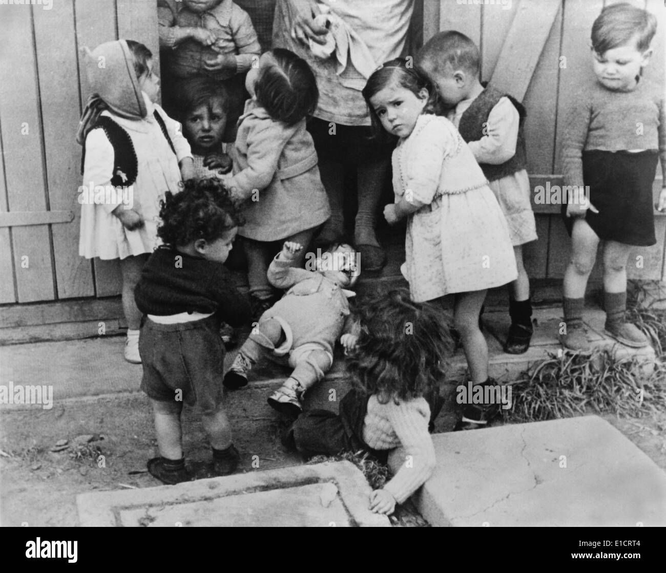 Life magazine holocaust pictures The