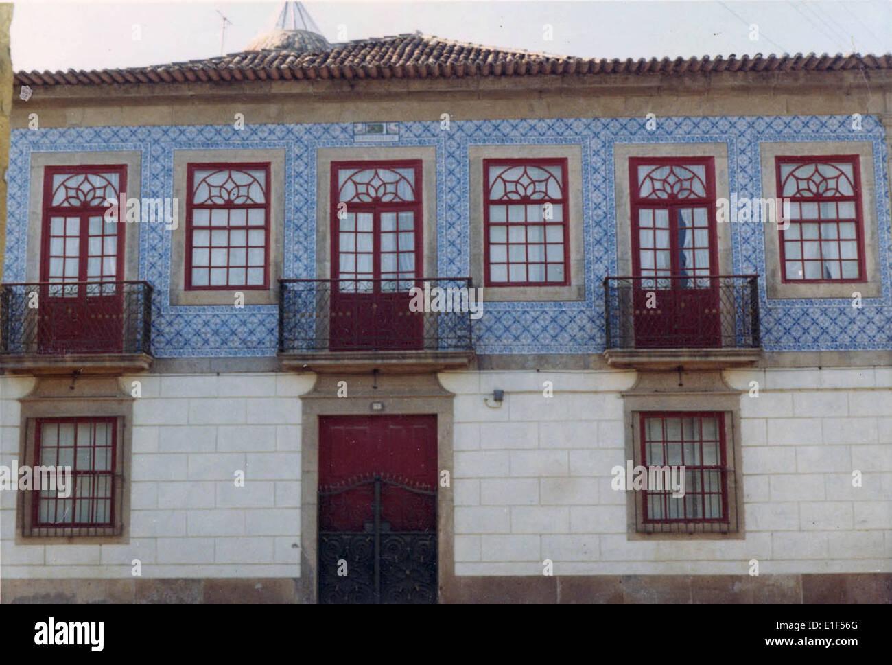 Azulejo de fachada em edif cio no largo antero de quental for Azulejos conde