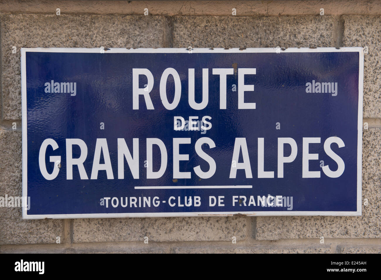 Route des grandes alpes sign in the alpes de haute for Haute route des alpes