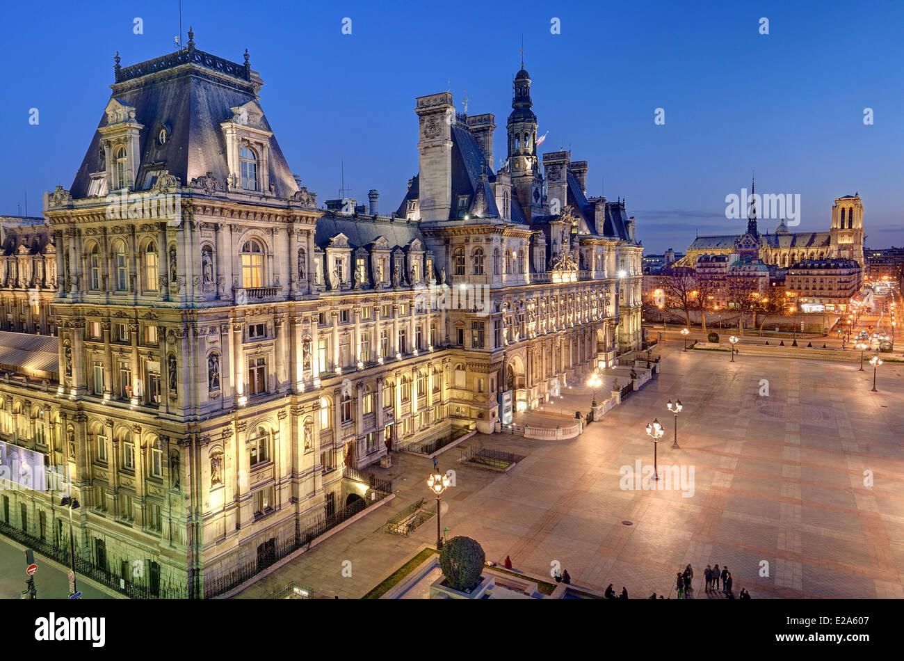 France paris the hotel de ville city hall and notre for Hotel notre dame paris