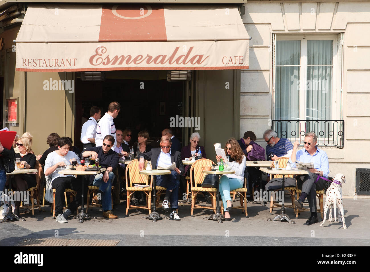 France paris terrace of the cafe esmeralda located on for The terrace location