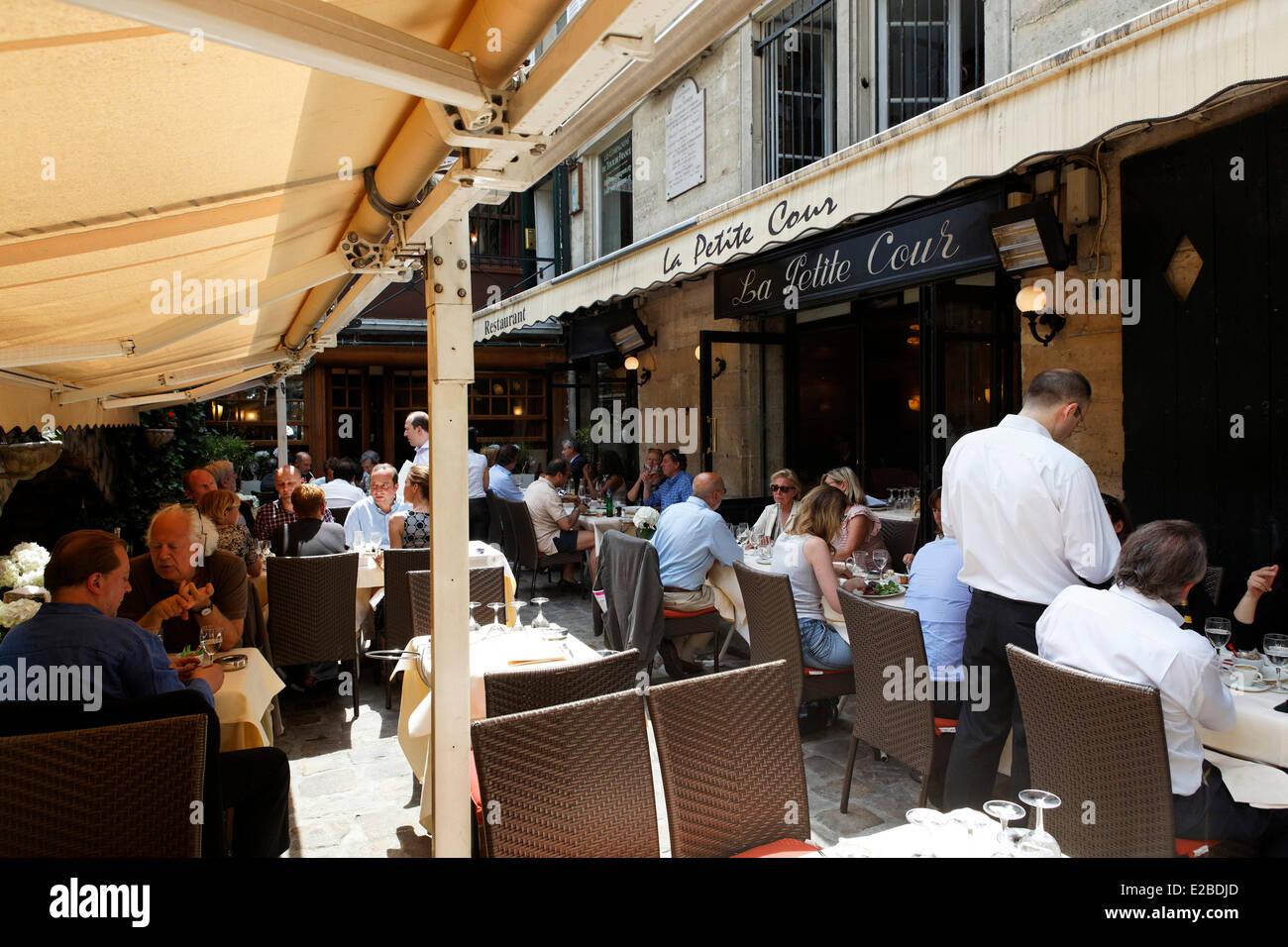 france paris restaurant la petite cour 8 rue mabillon stock photo royalty free image. Black Bedroom Furniture Sets. Home Design Ideas