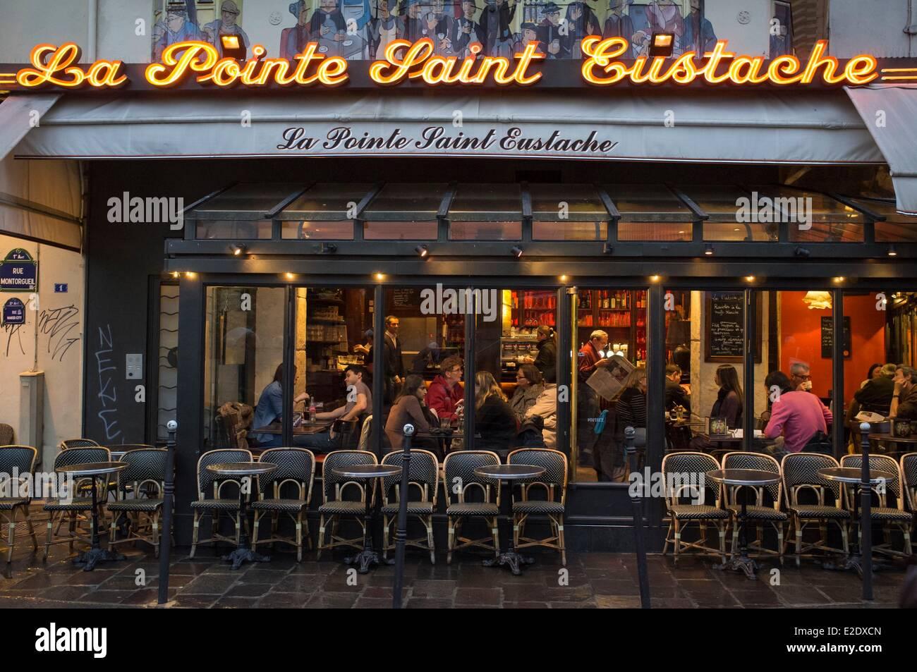 France paris the restaurant la pointe saint eustache in for Domon furniture st eustache