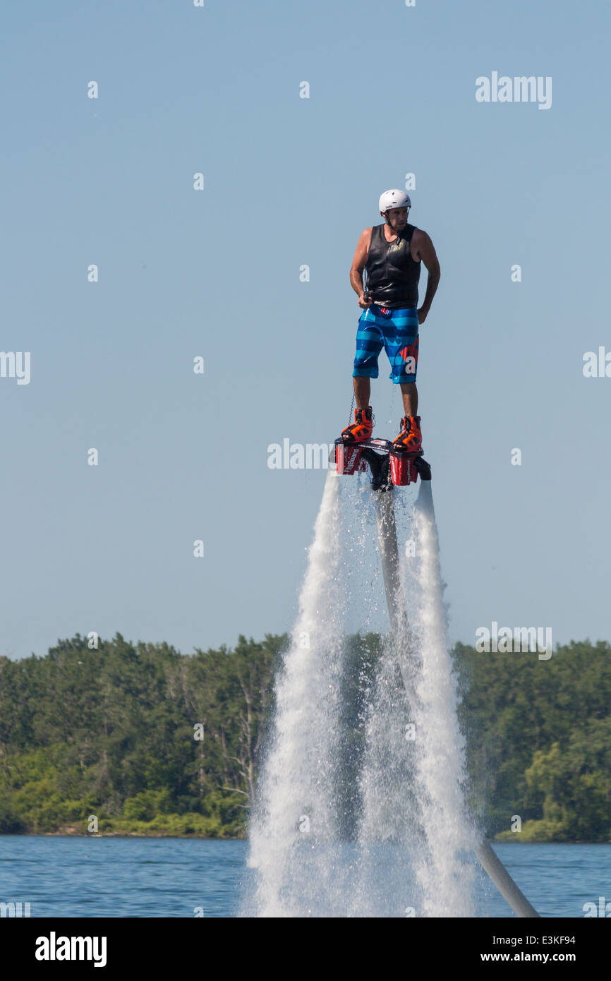 male-flyboarder-at-the-north-american-flyboard-championships-in-toronto-E3KF94.jpg