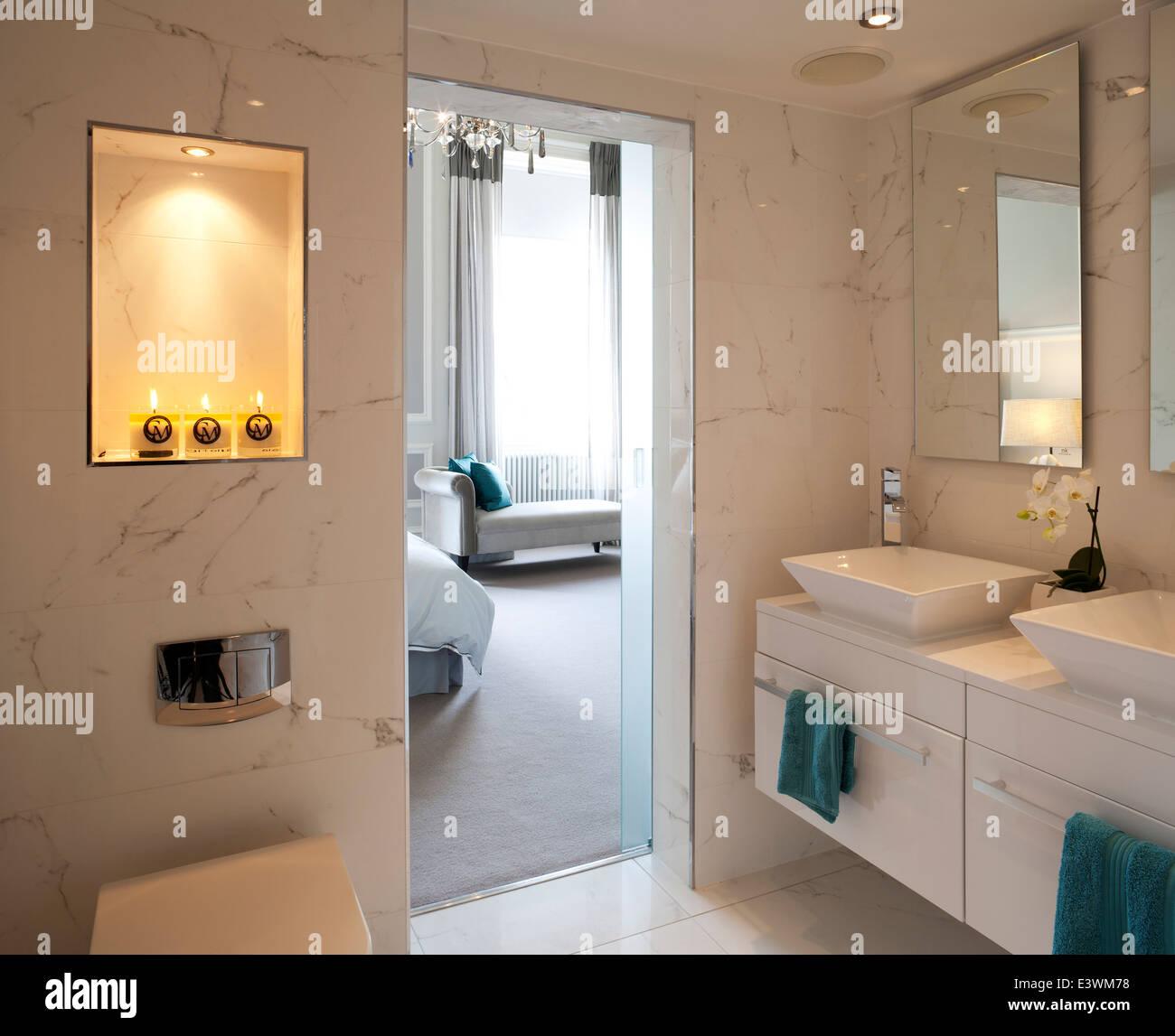 Bedroom With Ensuite Bathroom: En Suite Bathroom With View To Bedroom, Devonshire Terrace