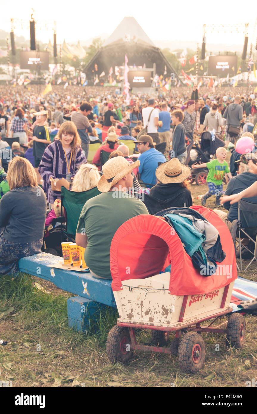 glastonbury-music-festival-2014-E44M6G.jpg