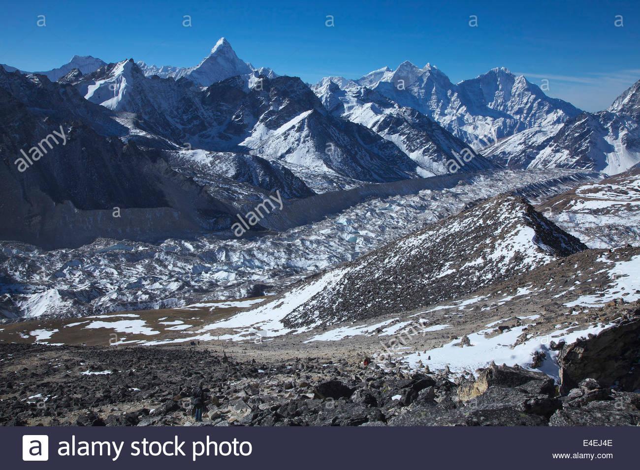 view mount everest mountain range khumbu glacier kala patthar stock photo royalty free image