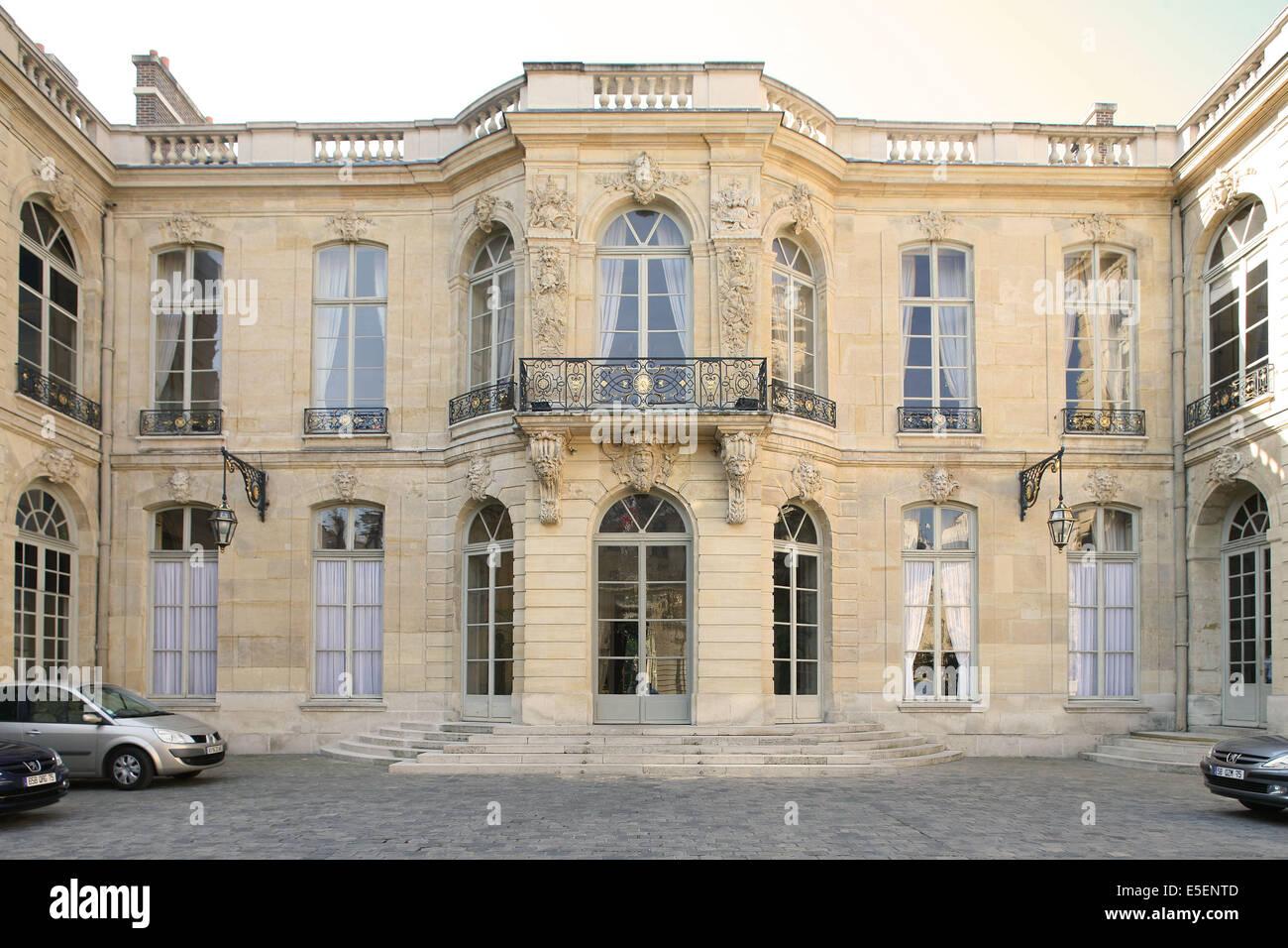 france paris 7e hotel particulier hotel de matignon 56 rue de stock photo royalty free. Black Bedroom Furniture Sets. Home Design Ideas