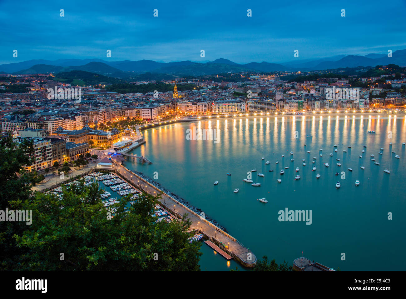 City skyline with Bahia de la Concha, Donostia San ...
