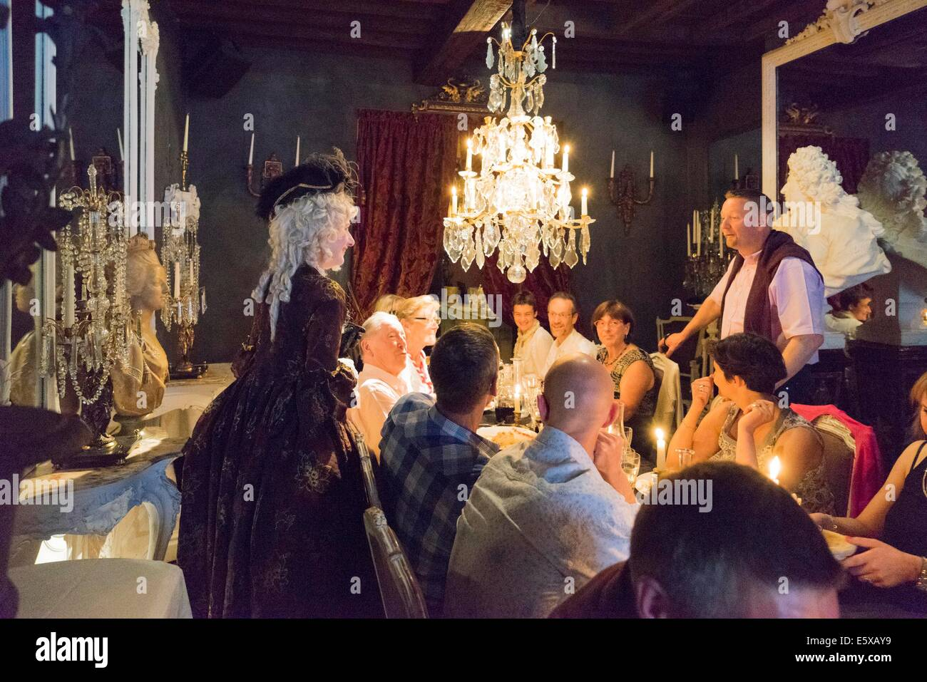 Restaurant salon des lumi res in mons serves in the for 18th century french cuisine
