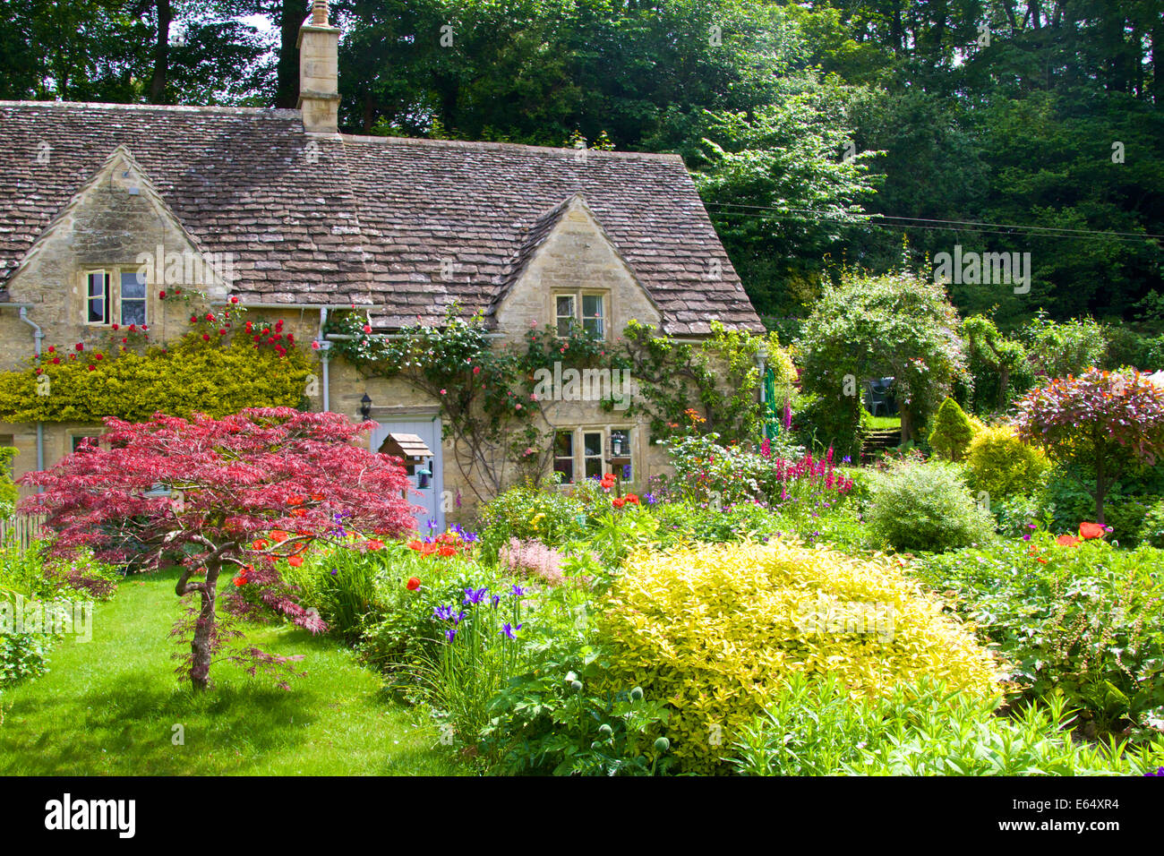 18th century row of listed stone cottages beautiful for Beautiful cottages pictures