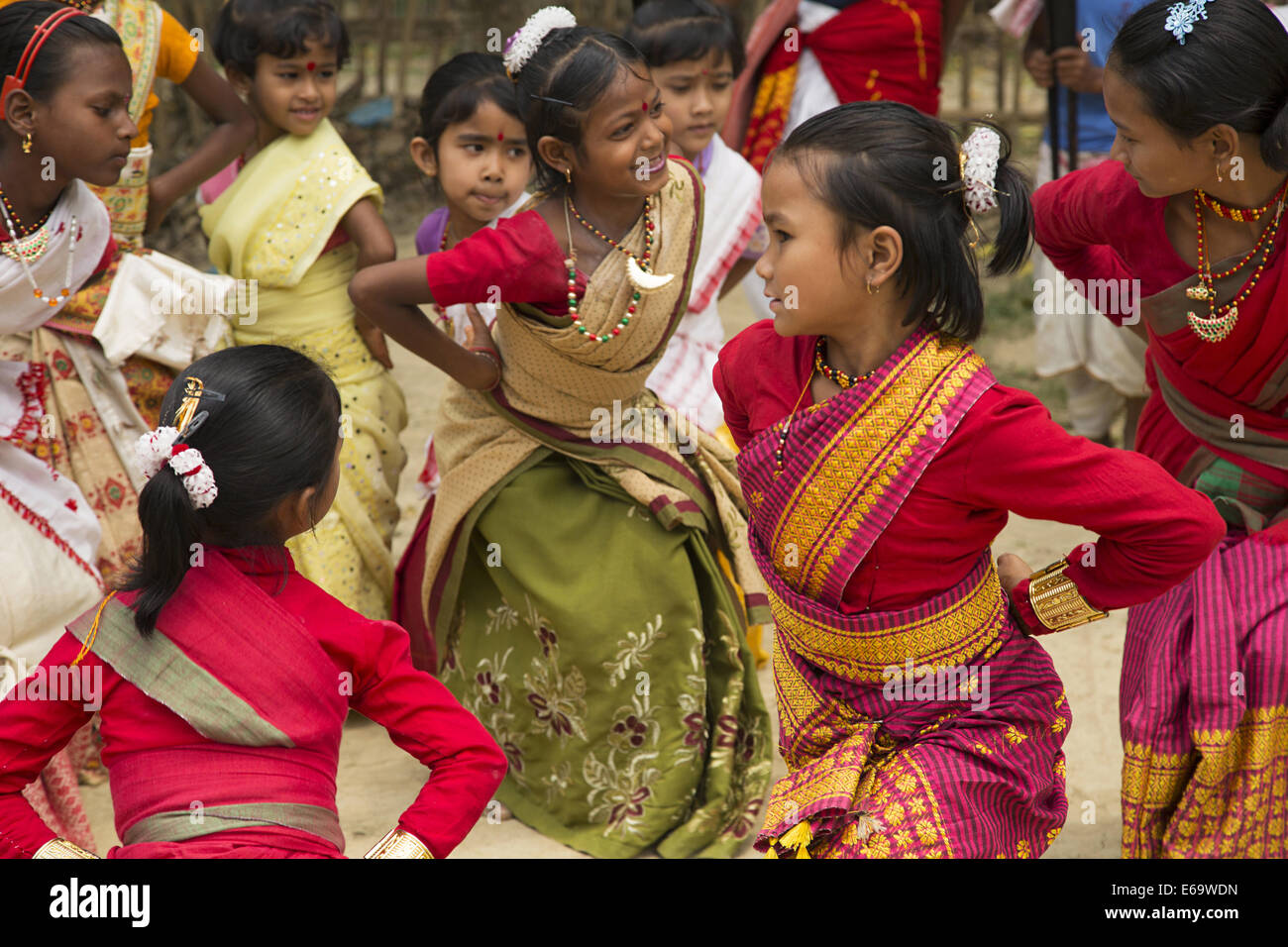 bihu dance of assam The bihu dance is an indigenous folk dance from the indian state of assam related to the bihu festival of the indigenous assamese people.