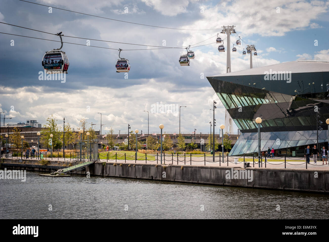 the-london-cable-car-aka-the-emirate-air