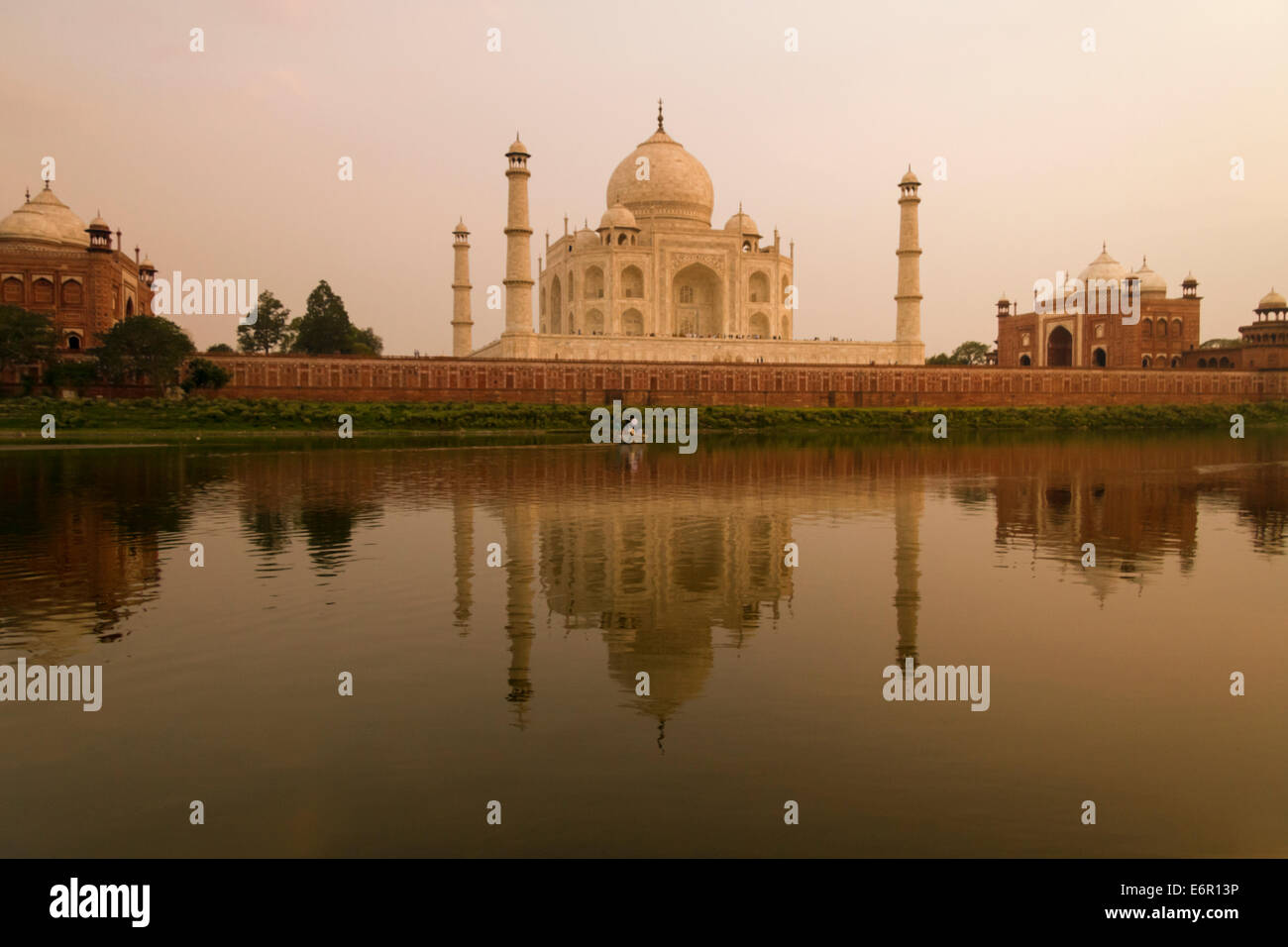 the-taj-mahal-at-sunset-from-the-yamuna-