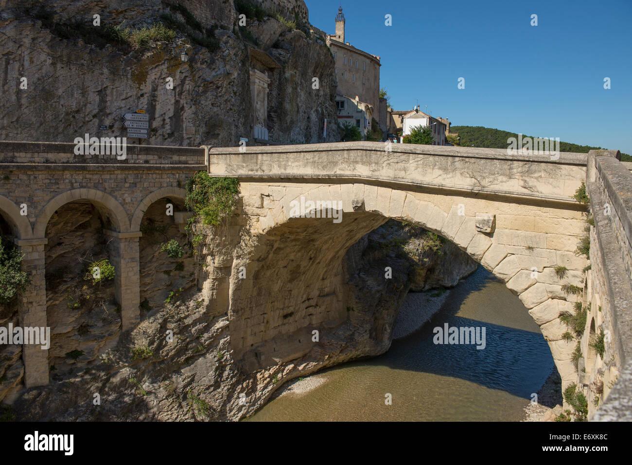 vaison-la-romaine-vaucluse-provence-alpe