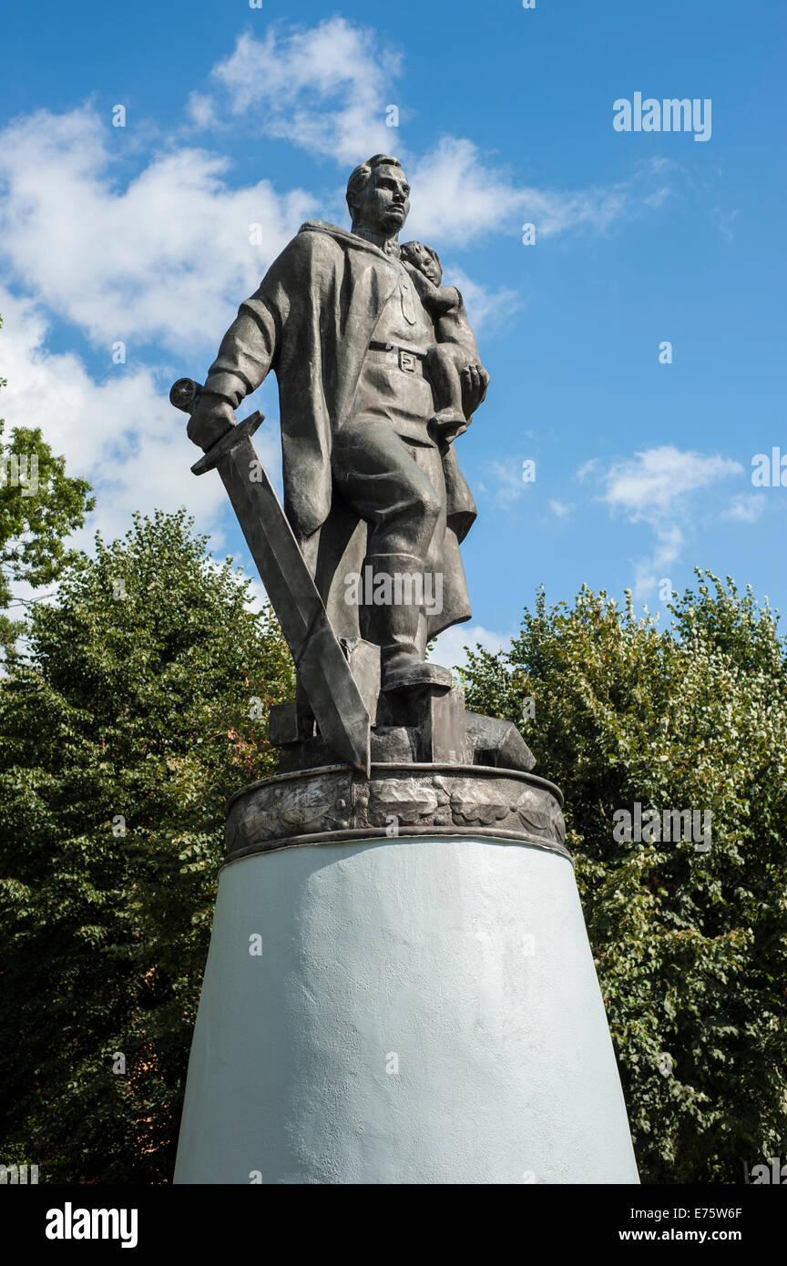 world war ii memorial soldier with big sword in a heroic