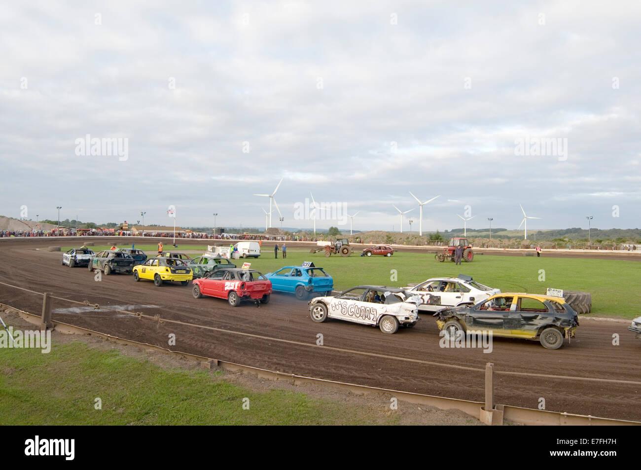 stock-car-race-races-racing-track-tracks-banger-old-car-cars-demolition-E7FH7H.jpg