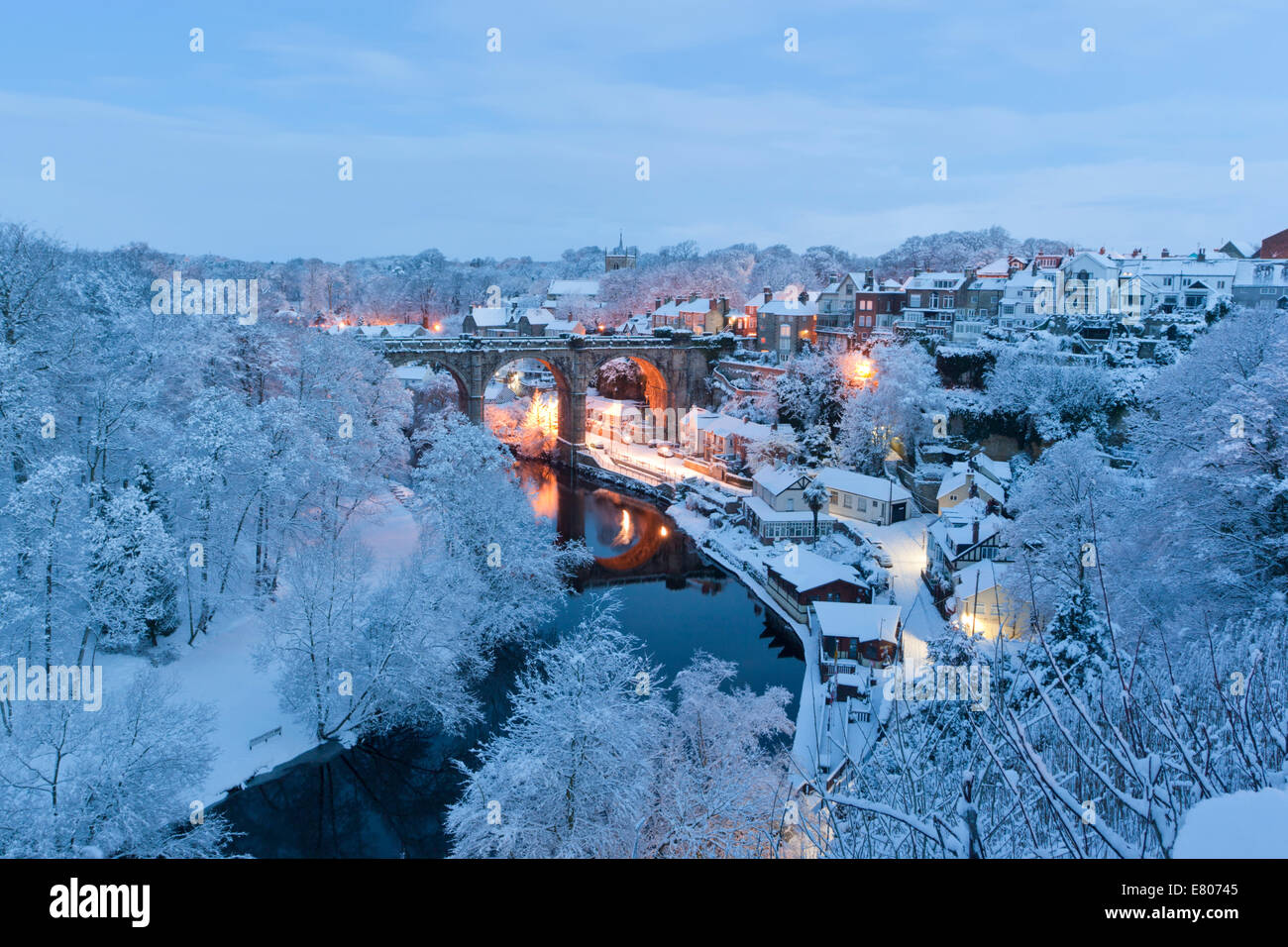 snow-covers-knaresborough-in-the-winter-