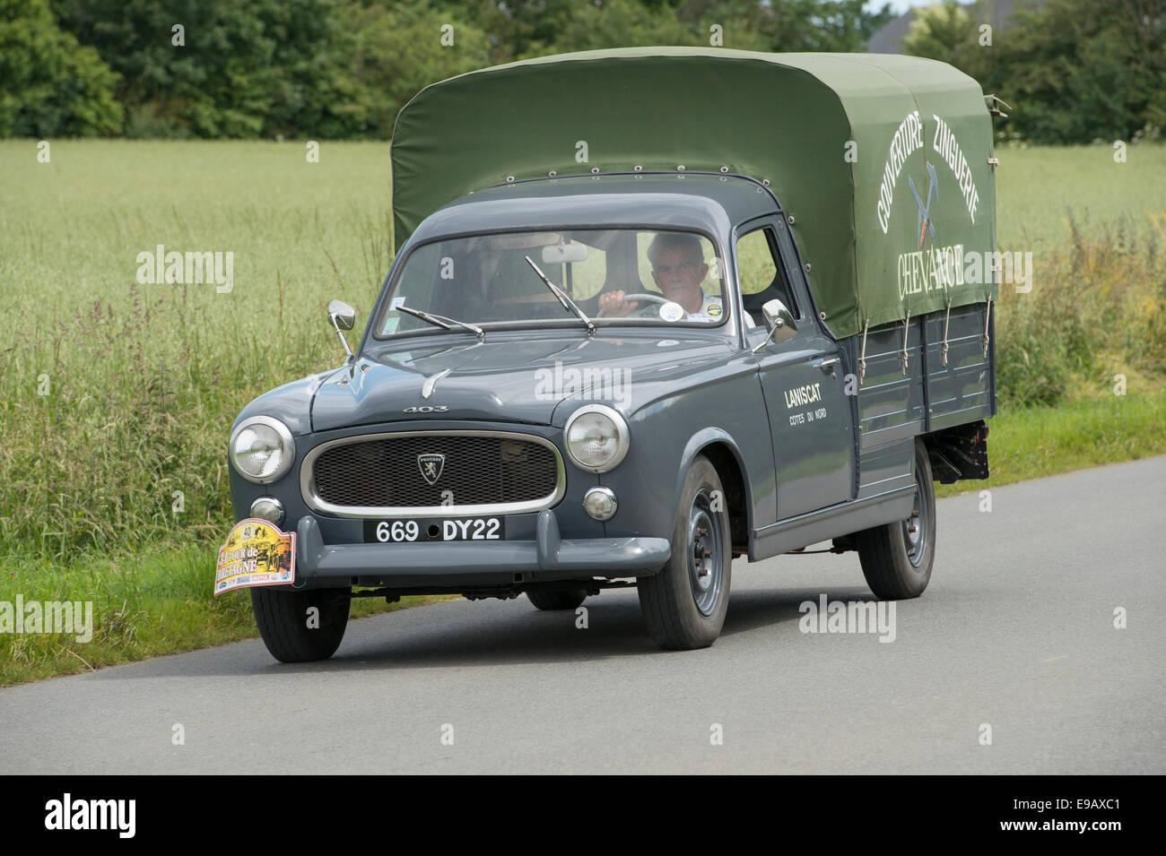peugeot 403 camionette of 1961 in the tour de bretagne. Black Bedroom Furniture Sets. Home Design Ideas