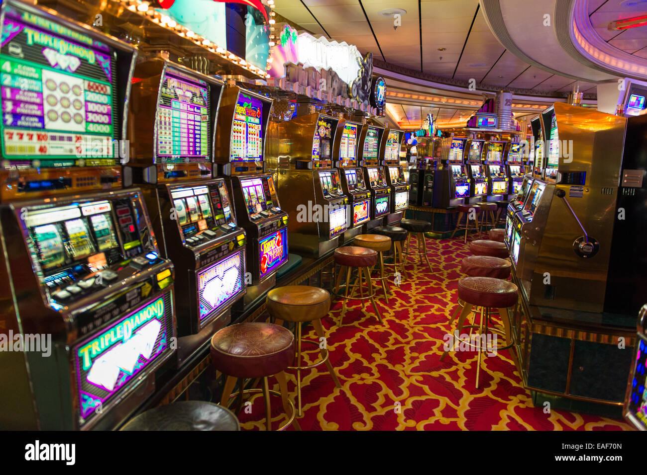 free cruise casino at sea