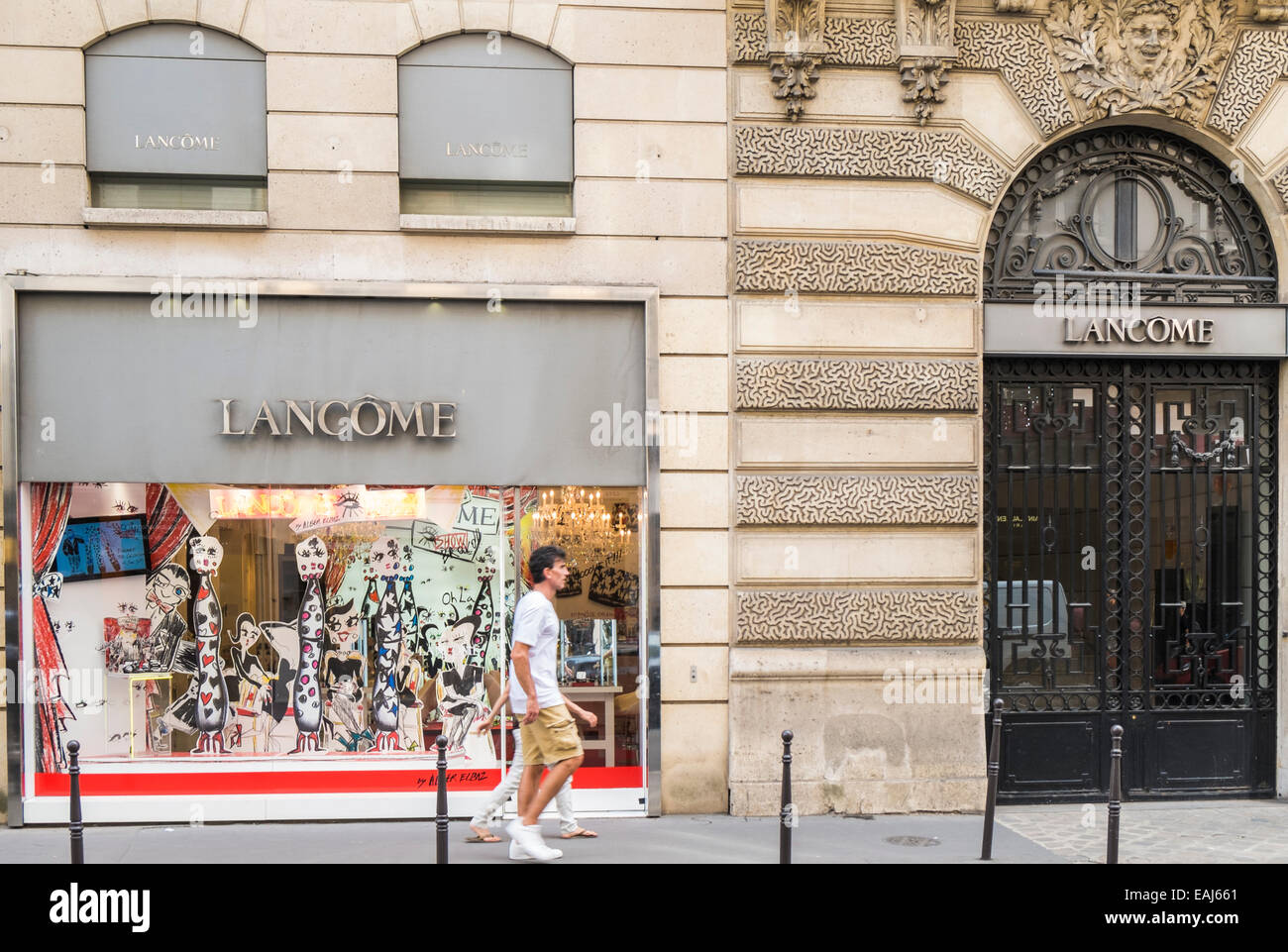 lancome store rue du faubourg st honor paris ile de france stock photo royalty free image. Black Bedroom Furniture Sets. Home Design Ideas