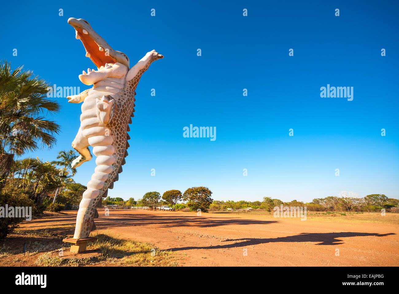 australia-road-side-attraction-big-croc-