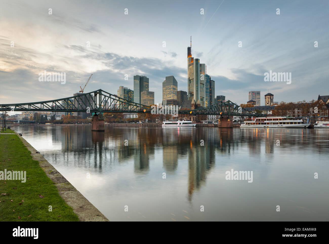 river-main-with-skyline-frankfurt-am-mai