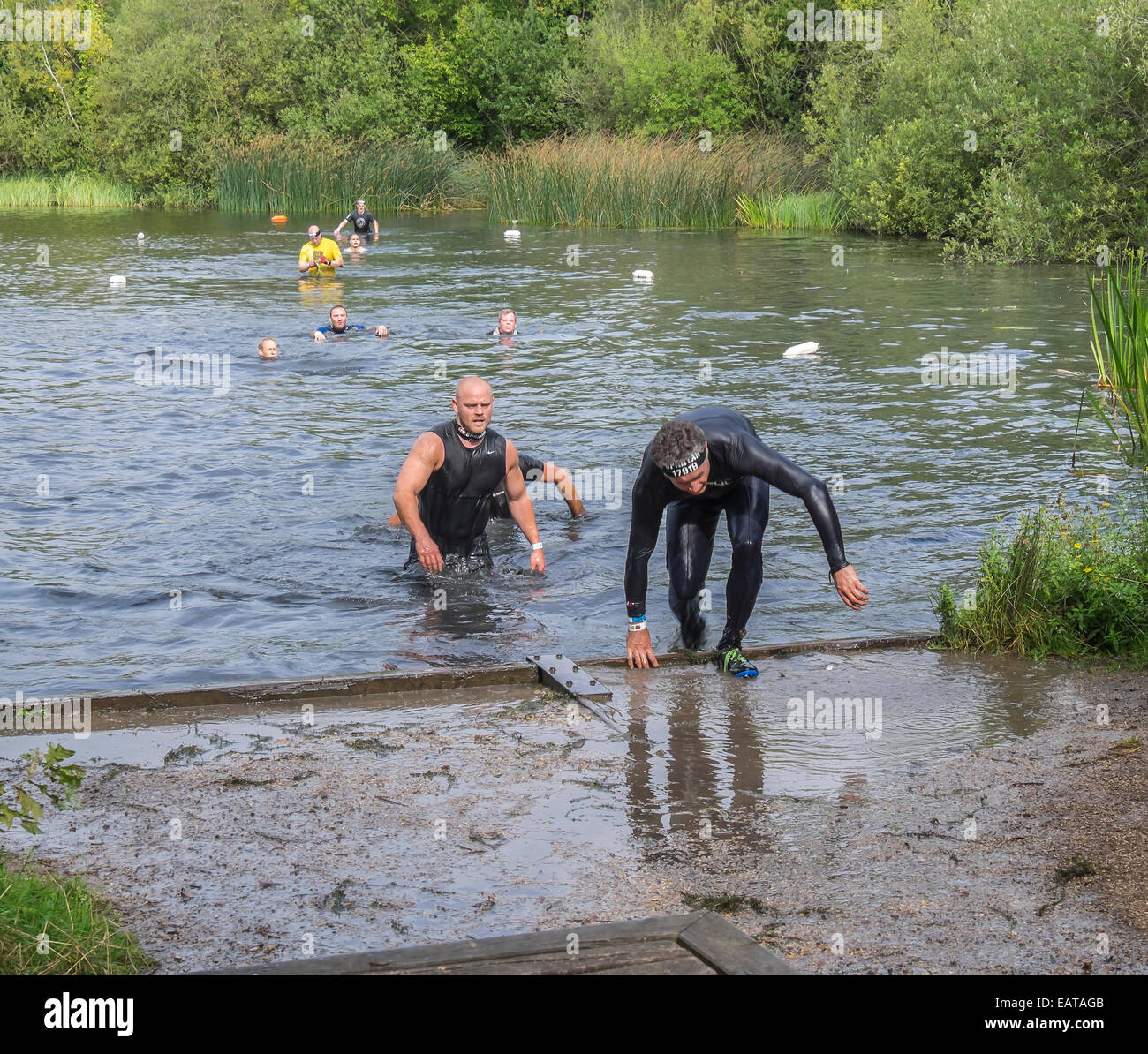 competitors-leaving-water-obstacle-spart