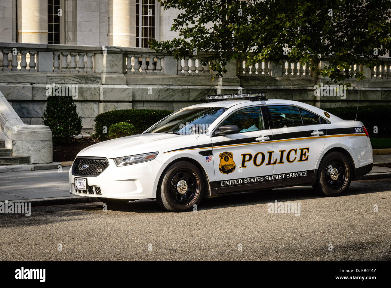 United states secret service police ford taurus police car for Washington dc department of motor vehicles