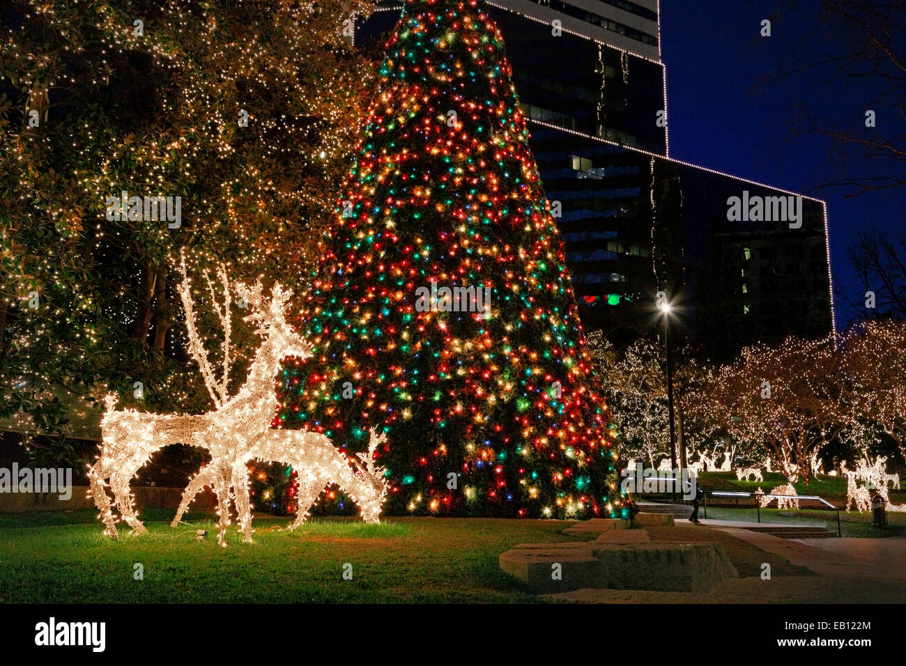 christmas-lights-in-downtown-richmond-virginia-EB122M.jpg