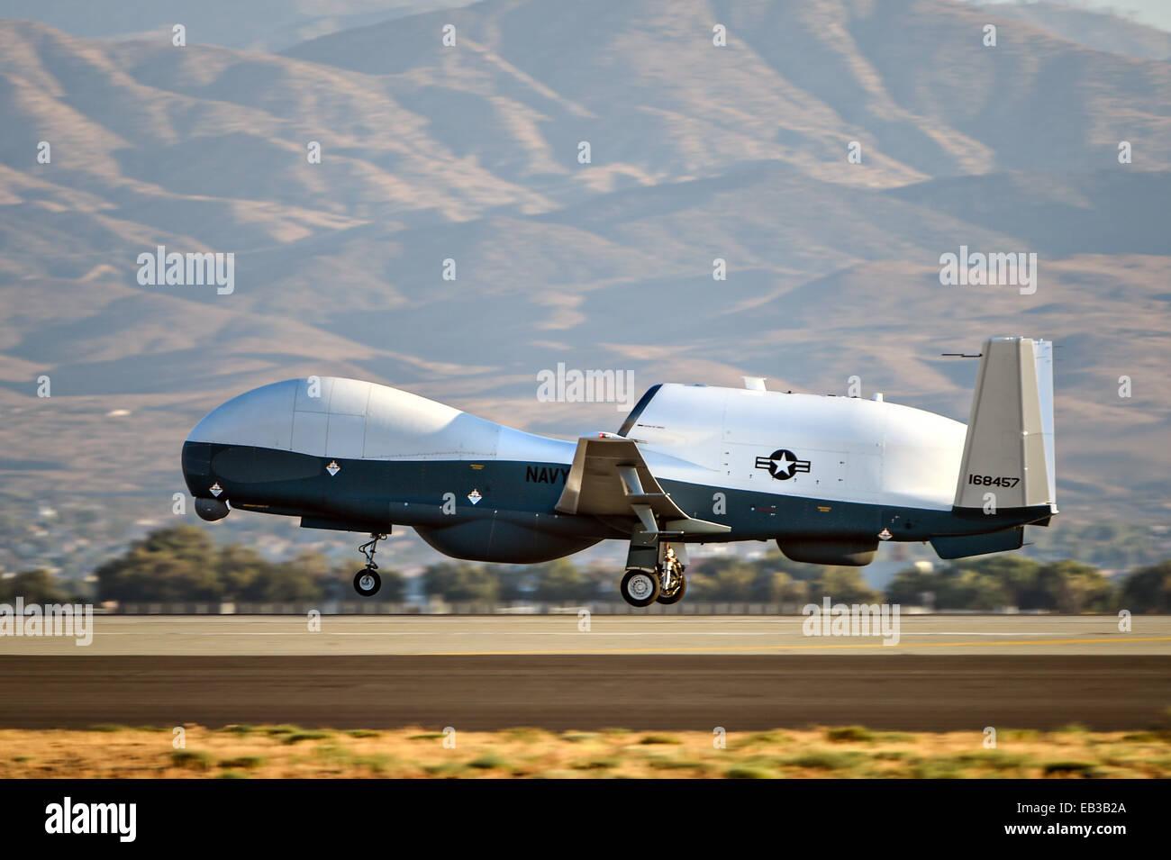 File:MQ-4C Tritons on ramp Palmdale May 2013.jpg