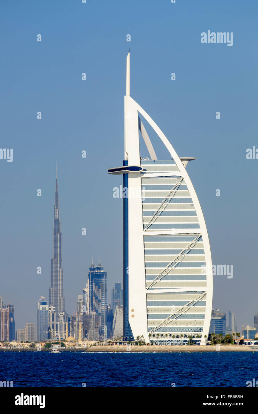 Skyline of dubai with burj al arab hotel and burj khalifa for Dubai hotels near burj khalifa