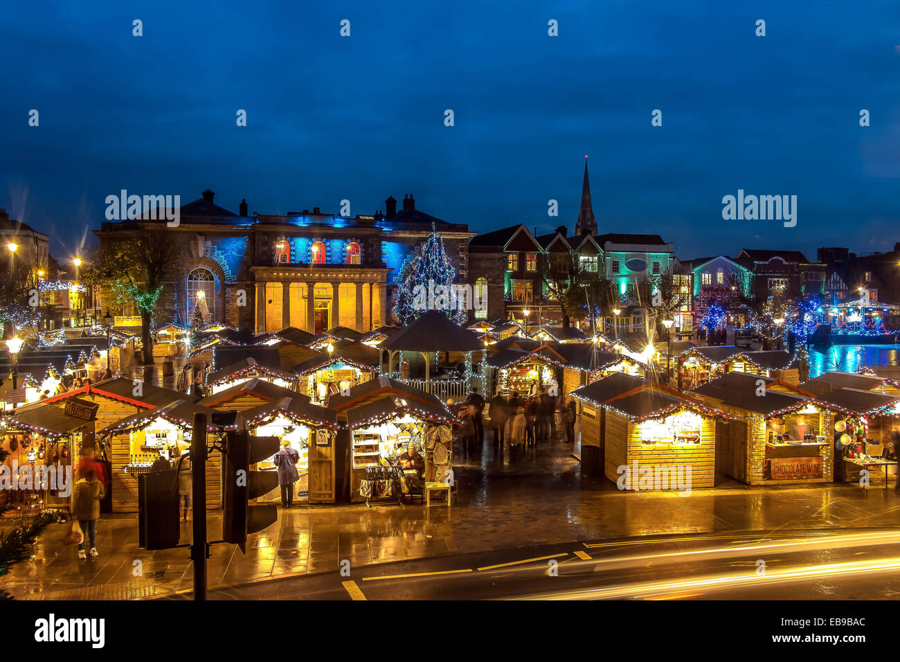 salisbury-27th-november-2014-salisbury-christmas-market-openning-night-EB9BAC.jpg