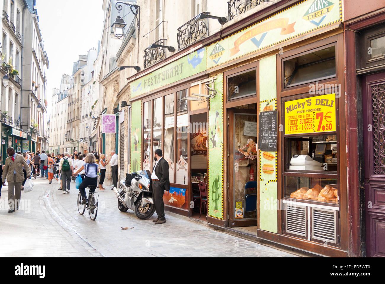 Mickey 39 s deli in rue des rosiers in the jewish quarter of the marais stoc - Location marais paris ...