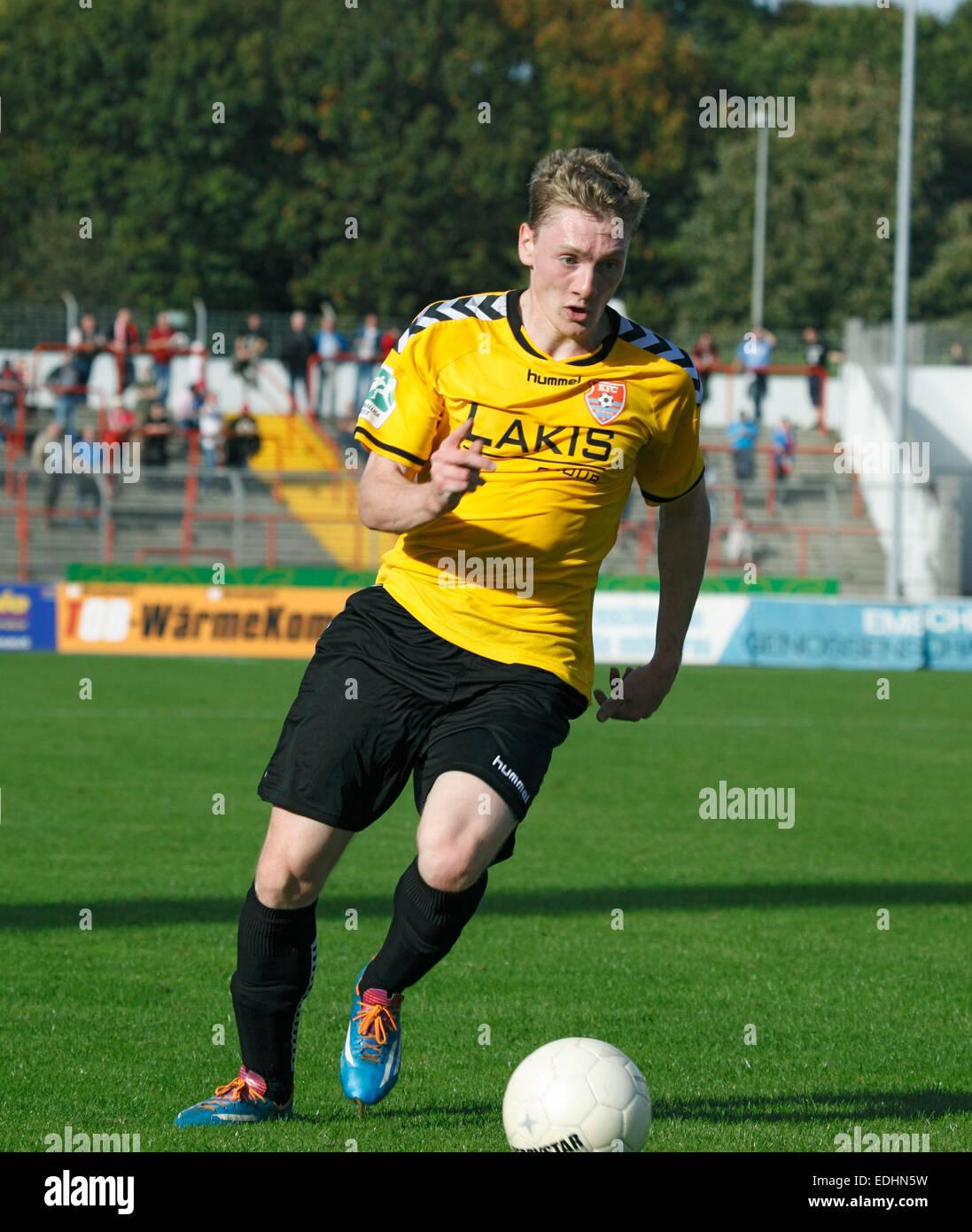 Spielszene, Sebastian Hirsch (KFC) am Ball, Stadion Niederrhein Oberhausen, Regionalliga West, 2014/2015, RW Oberhausen Stock Photo