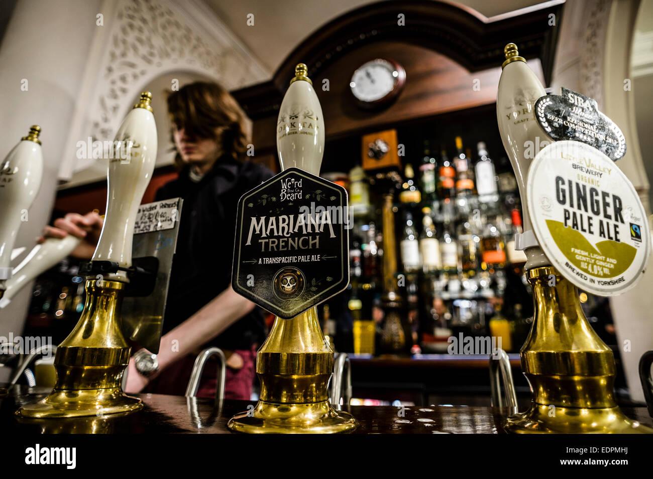 a-barman-pulls-a-pint-at-the-york-tap-al