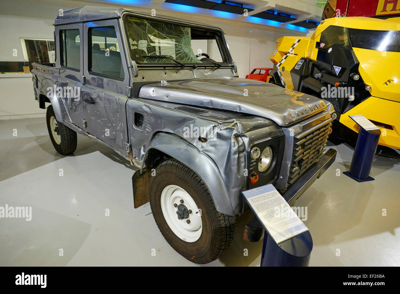 2012 land rover defender 110 james bond skyfall film car for What is a motor vehicle bond