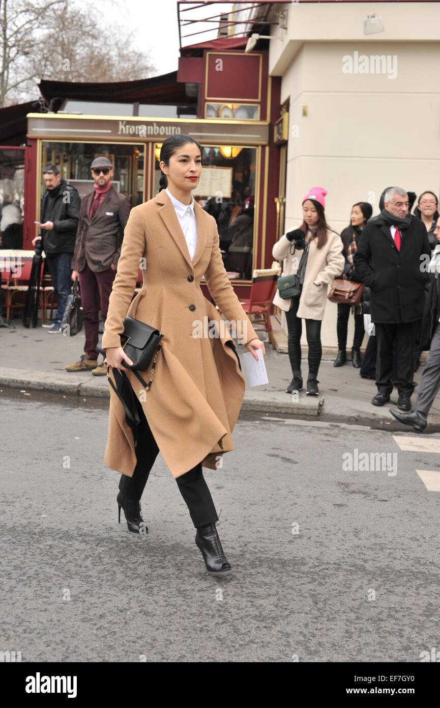 Yasmeen ghauri arriving at the dior runway show during for Stock car a couture 2015