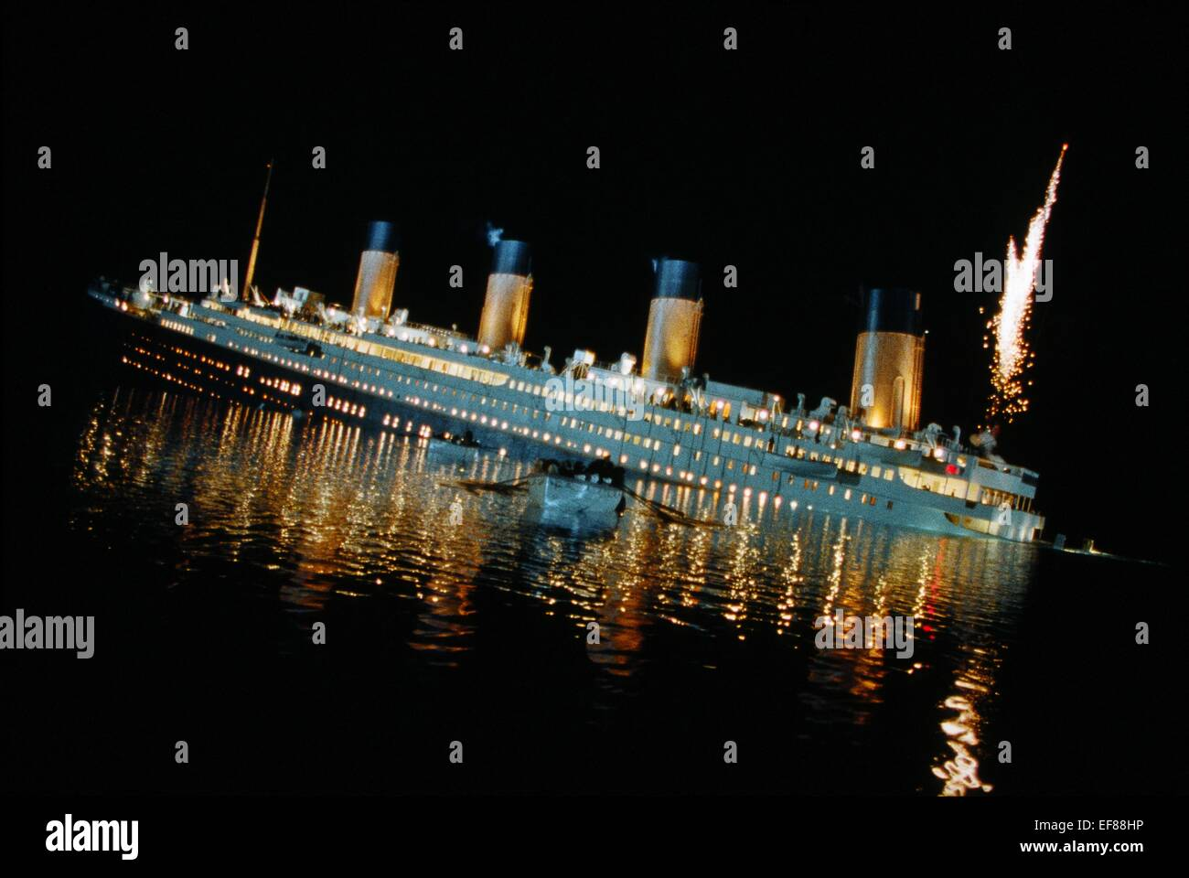 LIFEBOATS FLEE SINKING SHIP TITANIC (1997 Stock Photo ...