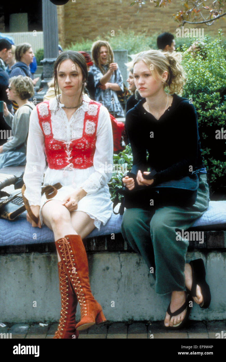 10 Kitchen And Home Decor Items Every 20 Something Needs: SUSAN MAY PRATT & JULIA STILES 10 THINGS I HATE ABOUT YOU