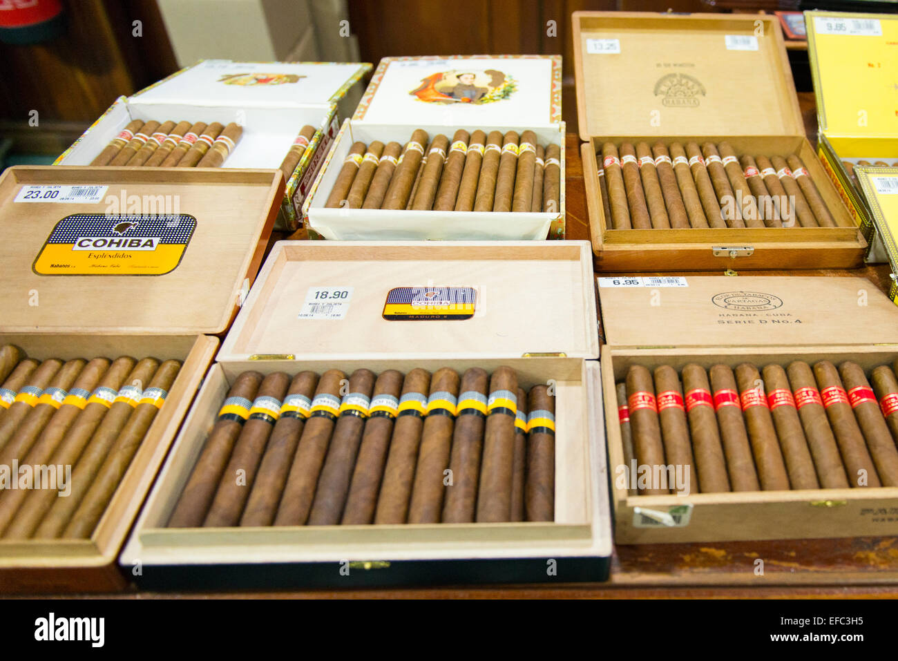 Cuba Old Havana La Habana Vieja Partagas cigar & Cuban rum ...