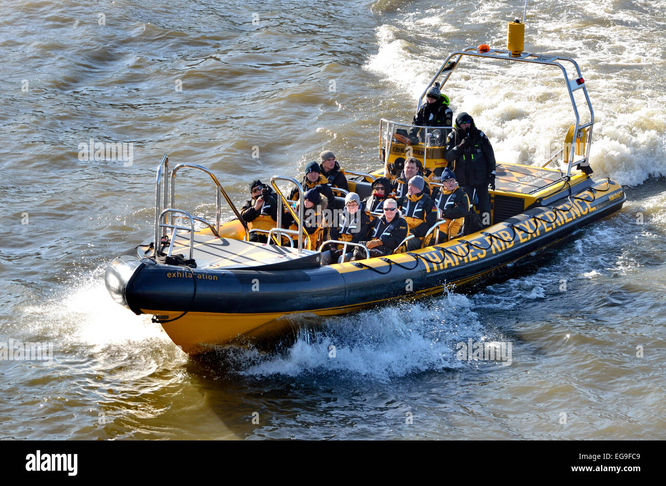 london-england-uk-tourists-on-an-inflata