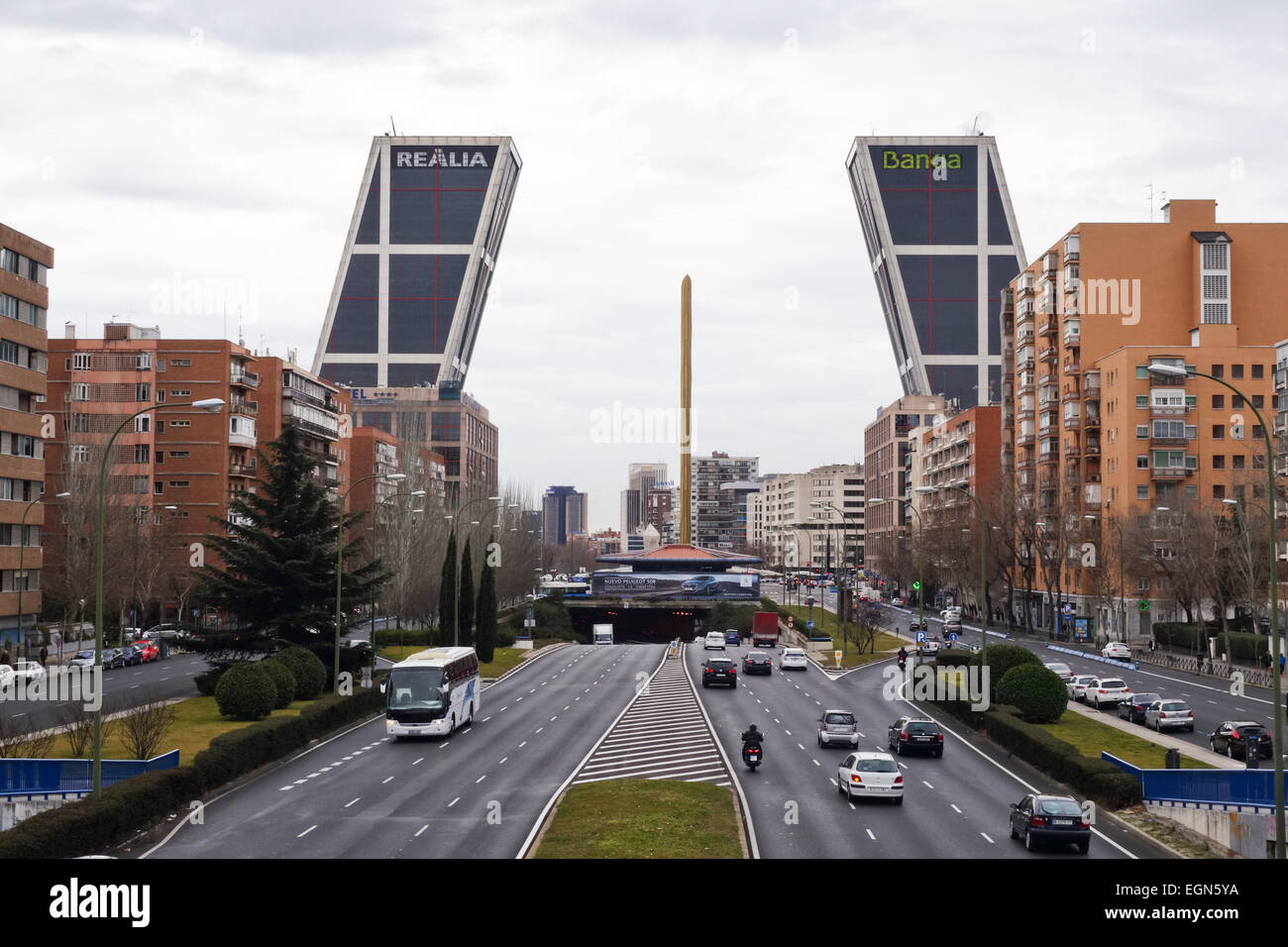 Twin office buildings gate of europe towers puerta de - Puerta europa almeria ...