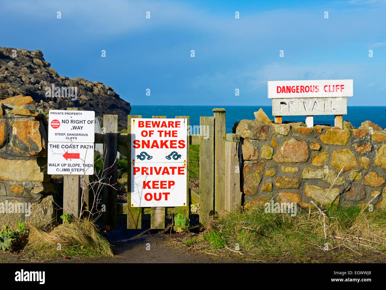 signs-private-property-at-sennen-cove-co