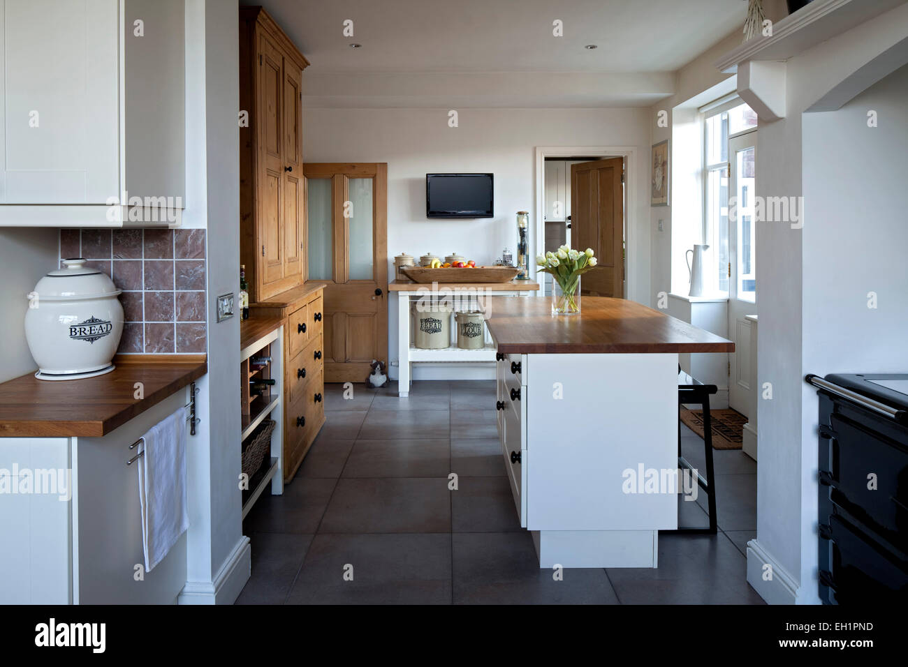 Modern country style open plan kitchen in macclesfield for Townhouse kitchen design