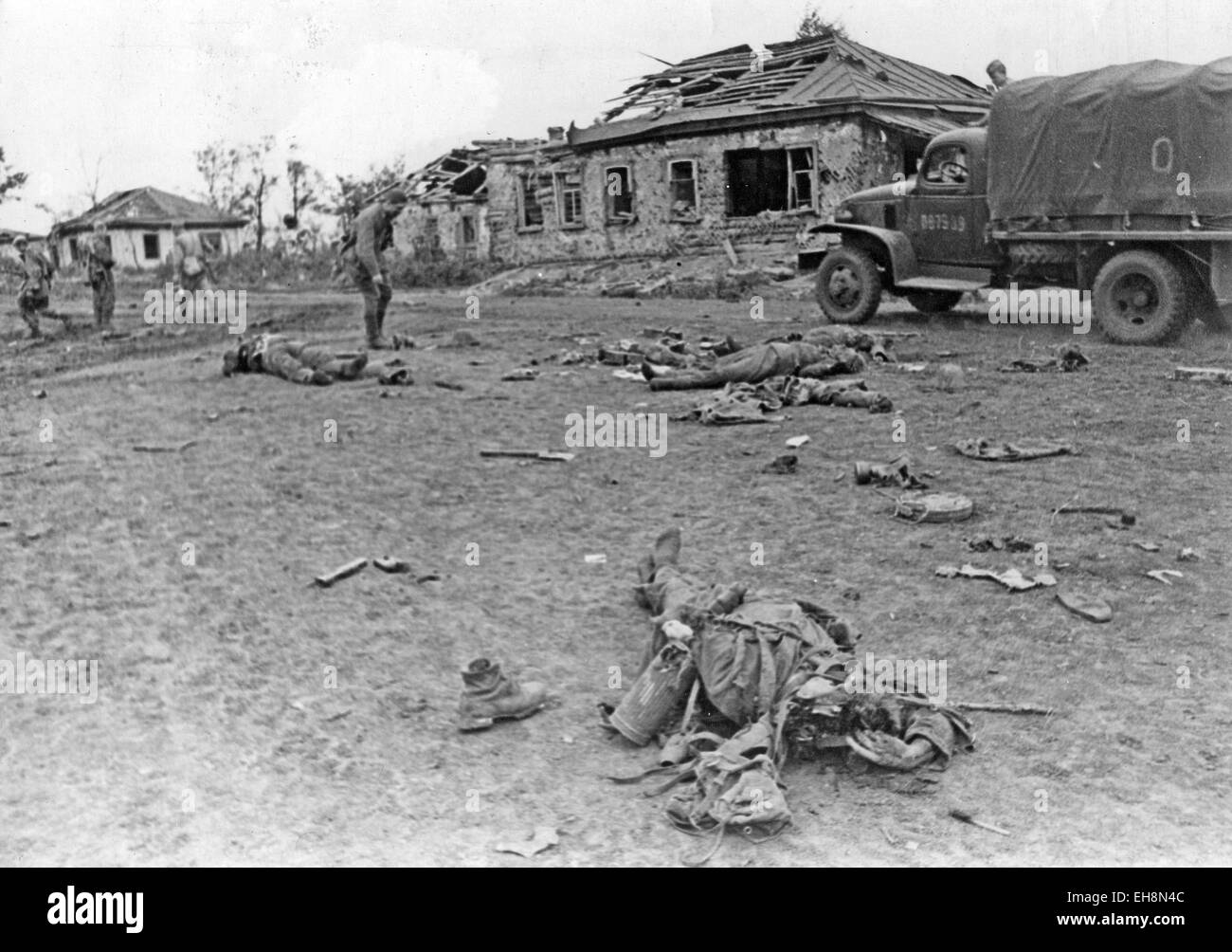war and propaganda in the battle of kharkov The second battle of kharkov was a battle that took place between germany and the soviet union the battle itself began on may 12, 1942 and ended on the 28th the battle resulted in the german defense of the city and also the encirclement of.