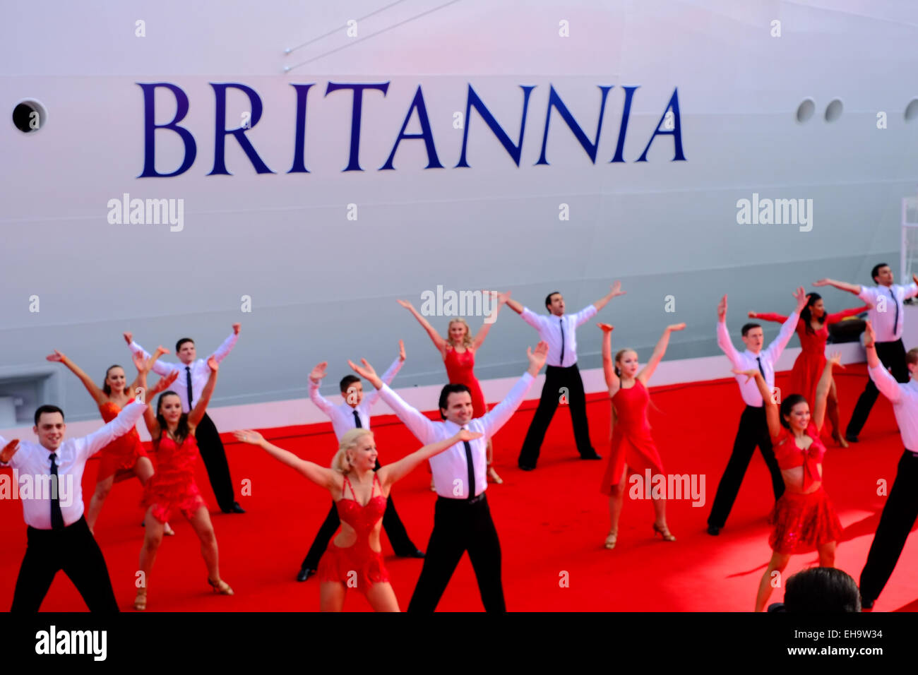 Southampton, UK. 10th March, 2015. Dancers at the naming P&O cruises new flagship BRITANNIA Credit:  Paul Chambers/Alamy Stock Photo