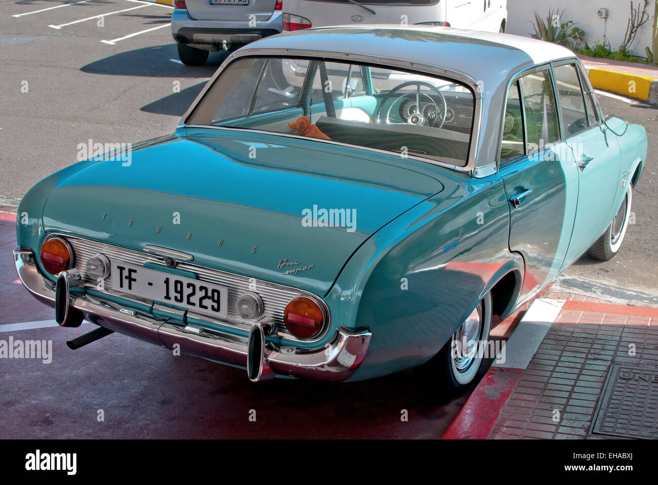 car ford taunus 17m p3 bath tub blue model year 1960 1964 stock photo 79519514 alamy. Black Bedroom Furniture Sets. Home Design Ideas